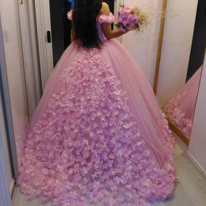 Beautiful Pink Flower Wedding Dress..