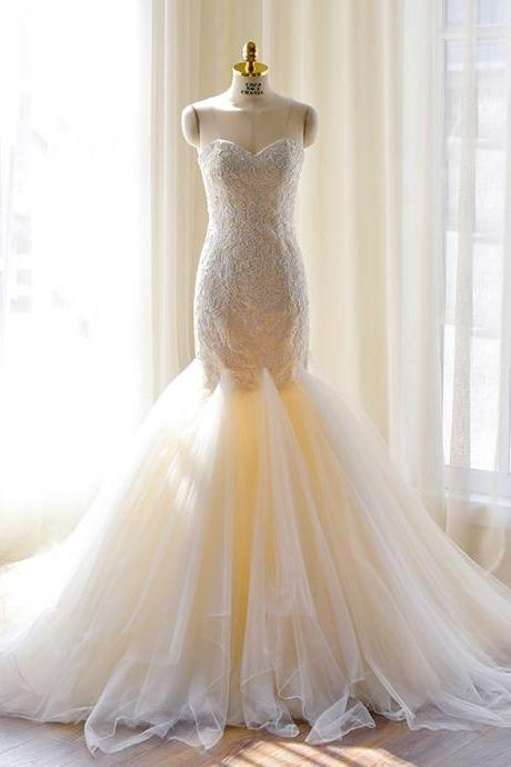 Strapless Sweetheart Lace Tulle Mermaid Wedding Dress with Court Train ad Lace-Up Back