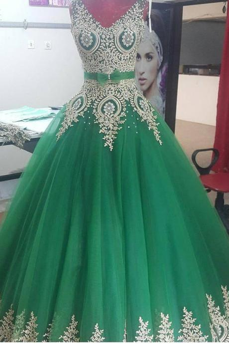 Elegant Gold Lace Appliques V Neck Green Ball Gowns Quinceanera Dresses 2017 New Prom Party Dress with Lace up Back