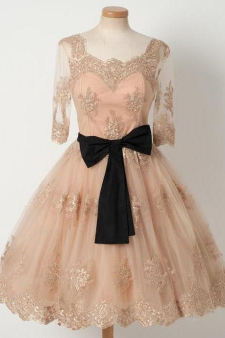 A-Line Square Knee-Length Half Sleeves Champagne Tulle Homecoming Dress with Appliques Black Belt Short Prom Party gowns