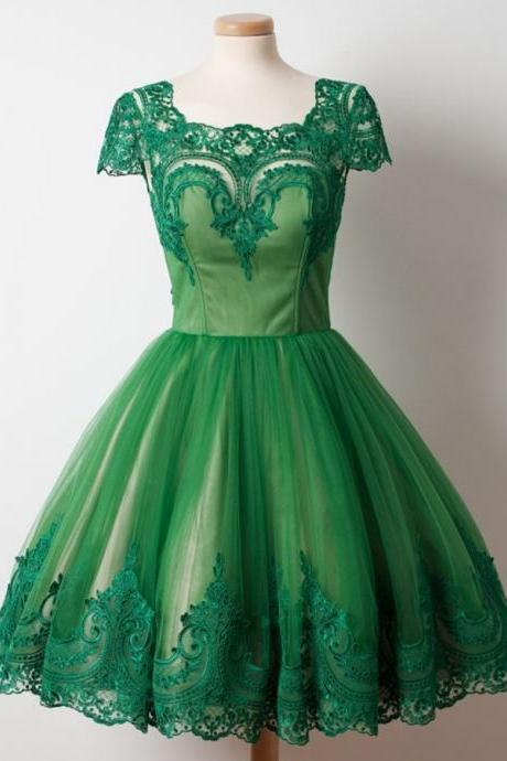 A-Line Square Knee-Length Cap Sleeves Green Tulle Homecoming Dress with Appliques