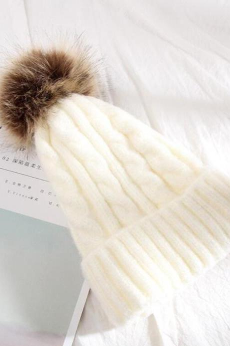 2018 New Fashion Women Knit Beanie Hat Raccoon Fur pom pom Winter Hat Warm Brand Soft Cap