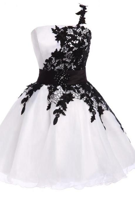 Popular White and Black High Quality Organza Lace Short Prom Dresses Sexy One Shoulder Homecoming Dresses Girls Graduation Dress