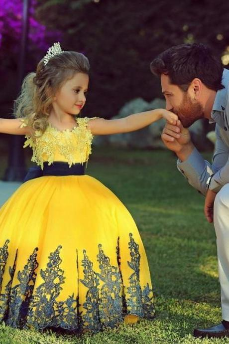 2016 Cute New Style Children Pageant Yellow Flower Girl Dresses For Weddings Ball Gown Lace Appliqued Party Prom Gowns for Kids